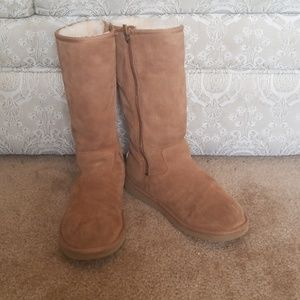 UGG tan tall boots w/zipper